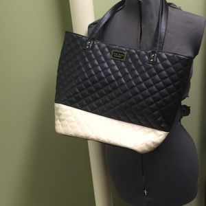 Guc Betsy Johnson black and cream quilted handbag